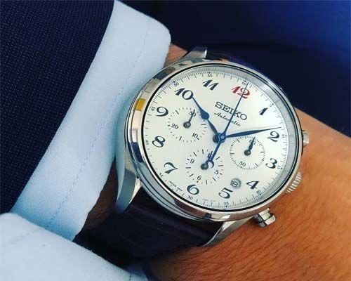 Reloj de caballero traje