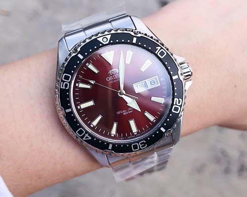 Reloj Orient en muñeca